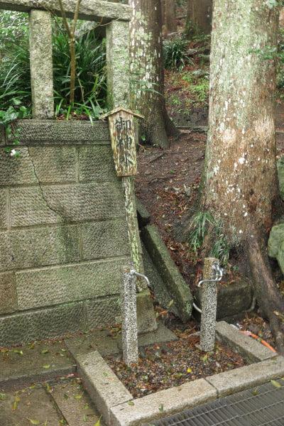 天津神明宮の御神水。地下40mの岩盤からくみ上げた霊水。