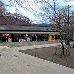 下社前。茶店が並んでいます。神社の茶店が好きなので、たいていは寄ってしまいます。【大山阿夫利神社】